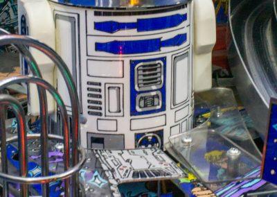 Retro Leisure - Star Wars Pinball - R2D2